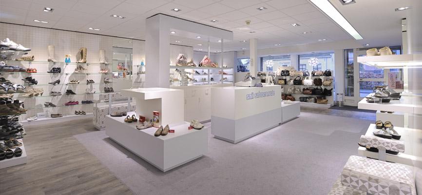 SchoenenwinkelDesign Smit En Door Schoenengt; Realisatie Interieur Wsb CorxdBeW