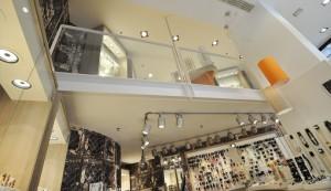 6 wsb interieurbouw juwelier wsb ladenbau schmuck uhren wsb shopconcepts jeweler joqo liza