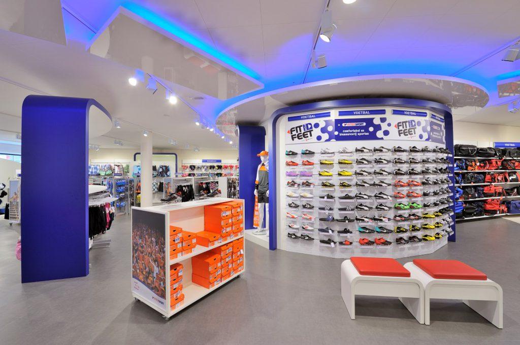 http://www.wsbinterieurbouw.nl/wp-content/uploads/2013/06/Intersport-Shopconcept-WSB-Interieurbouw-LAdenbau-1024x681.jpg