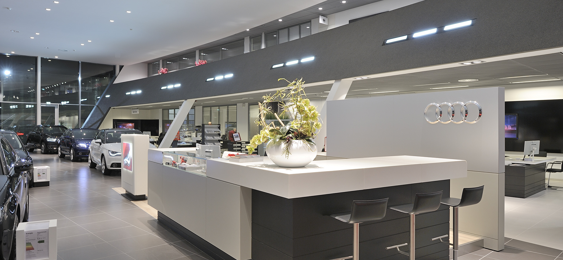 audi showroom inrichting van pondealer amersfoort by wsb interieurbouw. Black Bedroom Furniture Sets. Home Design Ideas