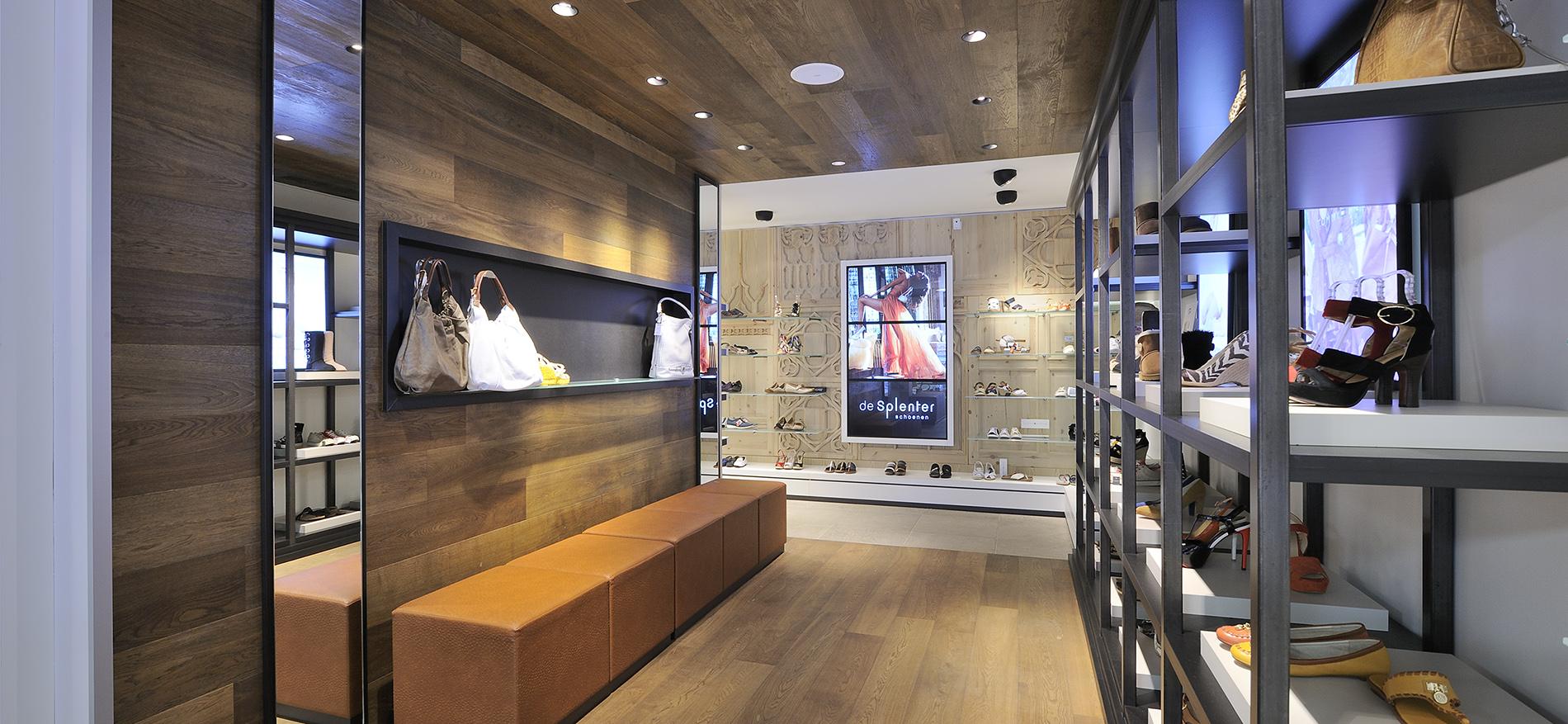 Chaussures agencement int rieur pour la boutique de for Agencement interieur