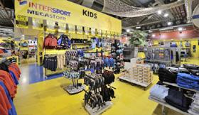8 wsb Interieurbouw sport wsb Ladenbau sport wsb shopconcepts Intersport van de berg roermond
