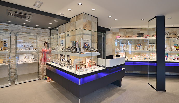 2 wsb interieurbouw juwelier wsb ladenbau schmuck uhren wsb shopconcepts jeweler eddy heleven