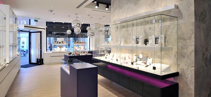2 wsb interieurbouw juwelier wsb ladenbau schmuck uhren wsb shopconcepts jeweler heleven