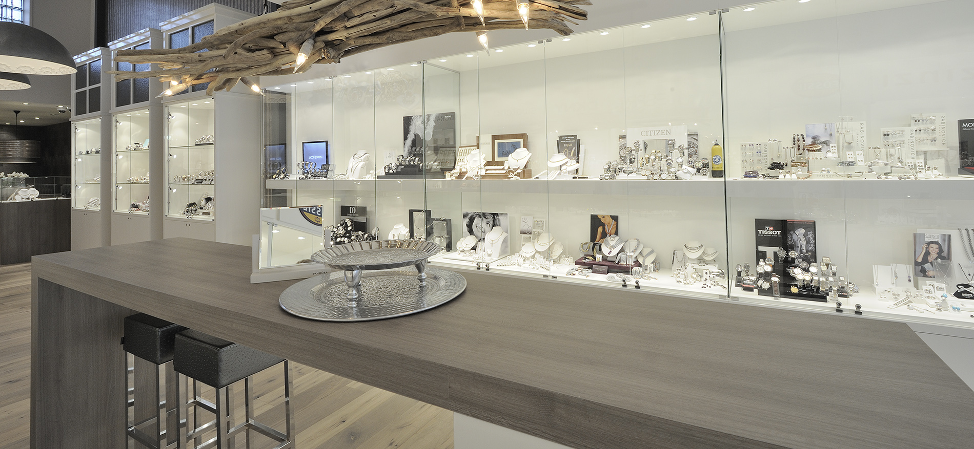 Retail design jewelry