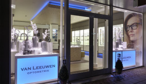 2 wsb Interieurbouw optiek wsb Ladenbau optik wsb shopconcepts optics van Leeuwen