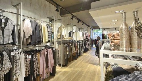 Brinkers Mode >> interieur kledingwinkel