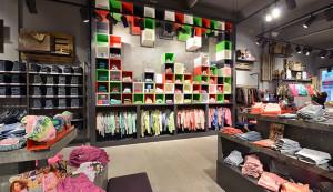 2 wsb interieurbouw mode wsb ladenbau mode wsb shopconcepts retour jeans