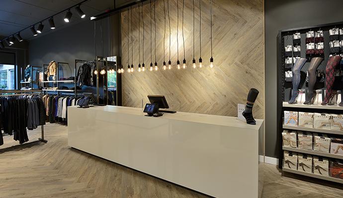 3 wsb interieurbouw mode wsb ladenbau mode wsb shopconcepts burger mode 0432c54a30c