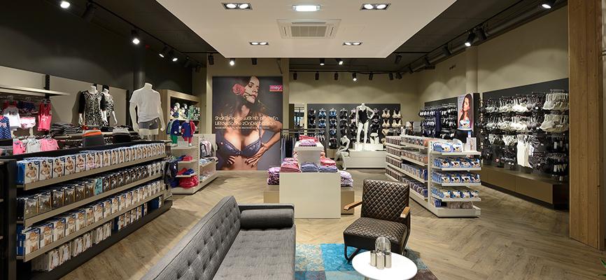 Persbericht nieuw winkelconcept voor burger mode in reeuwijk for Store design exterieur