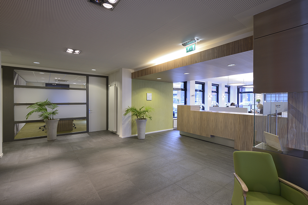 Prachtig ontwerp inrichting accountantskantoor door wsb for Inrichting kantoor