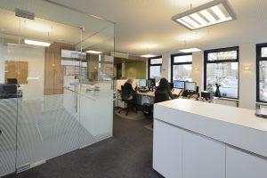 Kantoor inrichting bij ACCOM AVM door WSB Interieurbouw bv