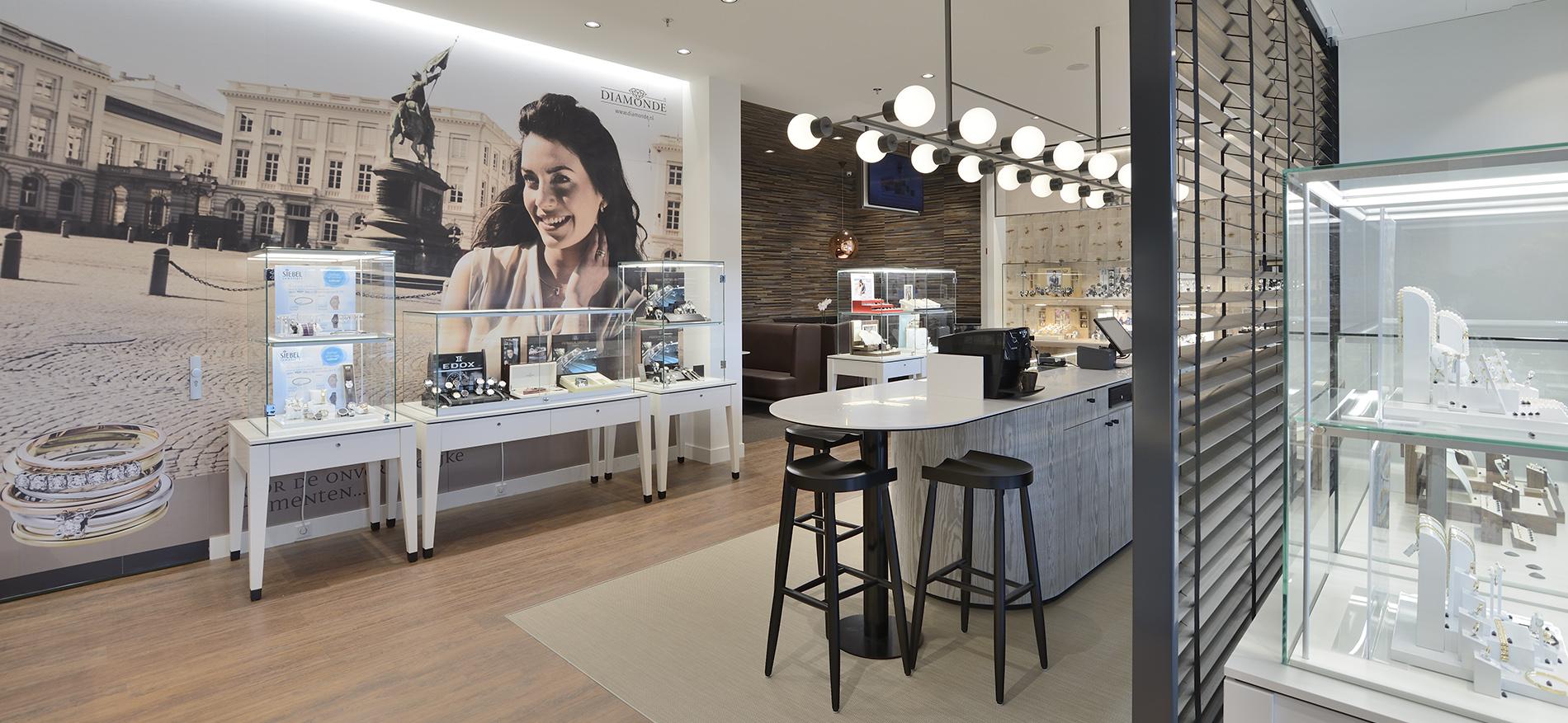 Persberichting winkelinrichting retail siebel opent for Interieur winkels