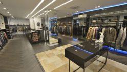 Sneak preview: Kings Square – Amsterdam: Opening na winkelinrichting modezaak voor Michel van Os