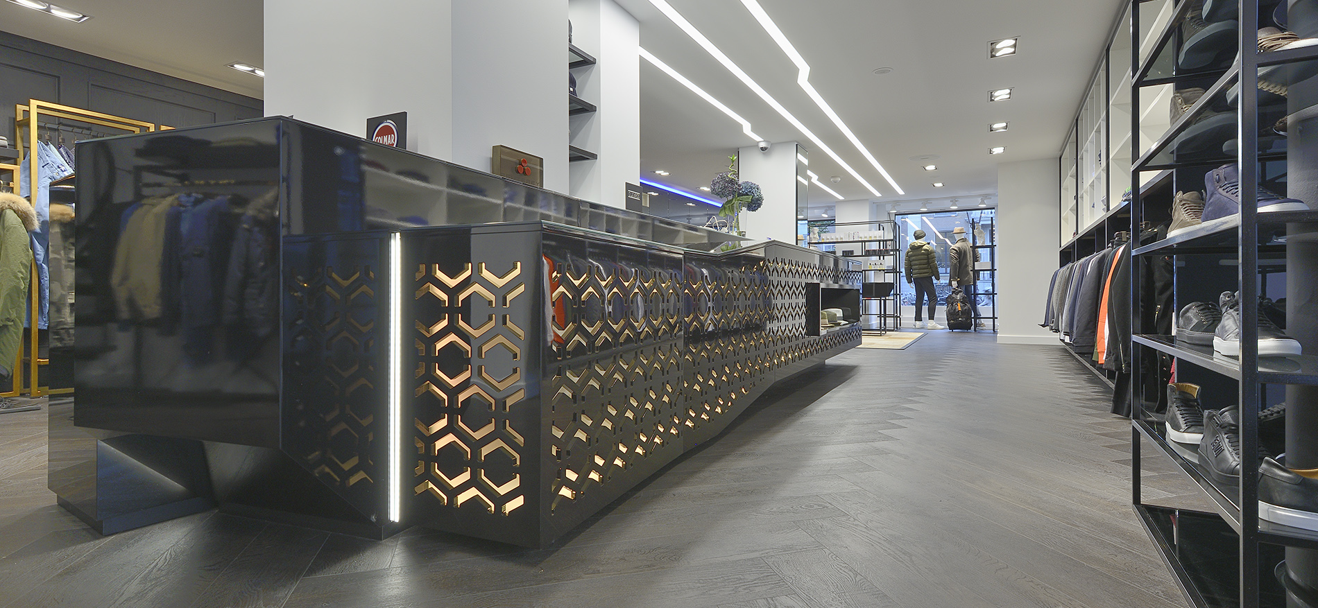 Luxus ladeneinrichtung mode kings square amsterdam for Interieur winkel