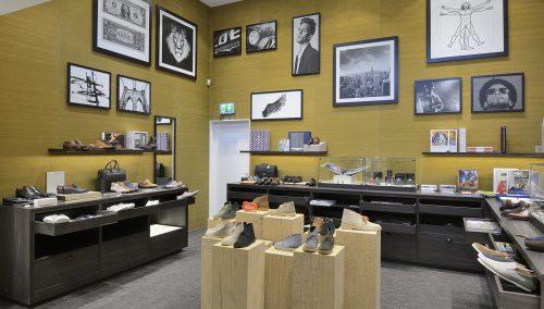 Shuz in Wassenaar: Ontwerp en Turn key winkelinrichting