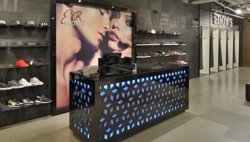 Eddy's mode – Eindhoven: Ontwerp Winkelbouw kleding