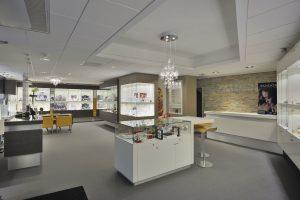 Juwelier van Arensbergen in Gennep. Ontwerp en winkelinrichting door WSB Interieurbouw