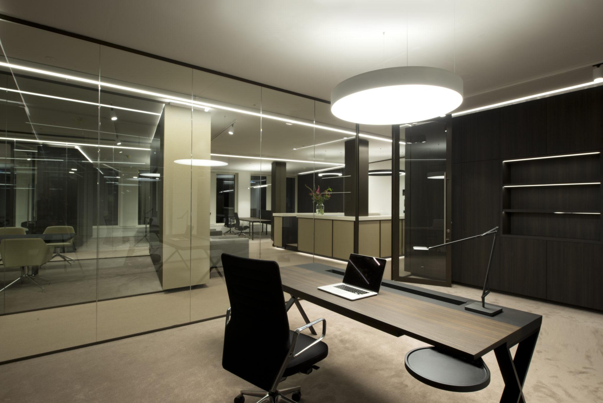 Kantoor interieur ontwerp kantoor oudezijds voorburgwal u2013 justus tjebbo kantoor - Decoratie ontwerp kantoor ontwerp ...