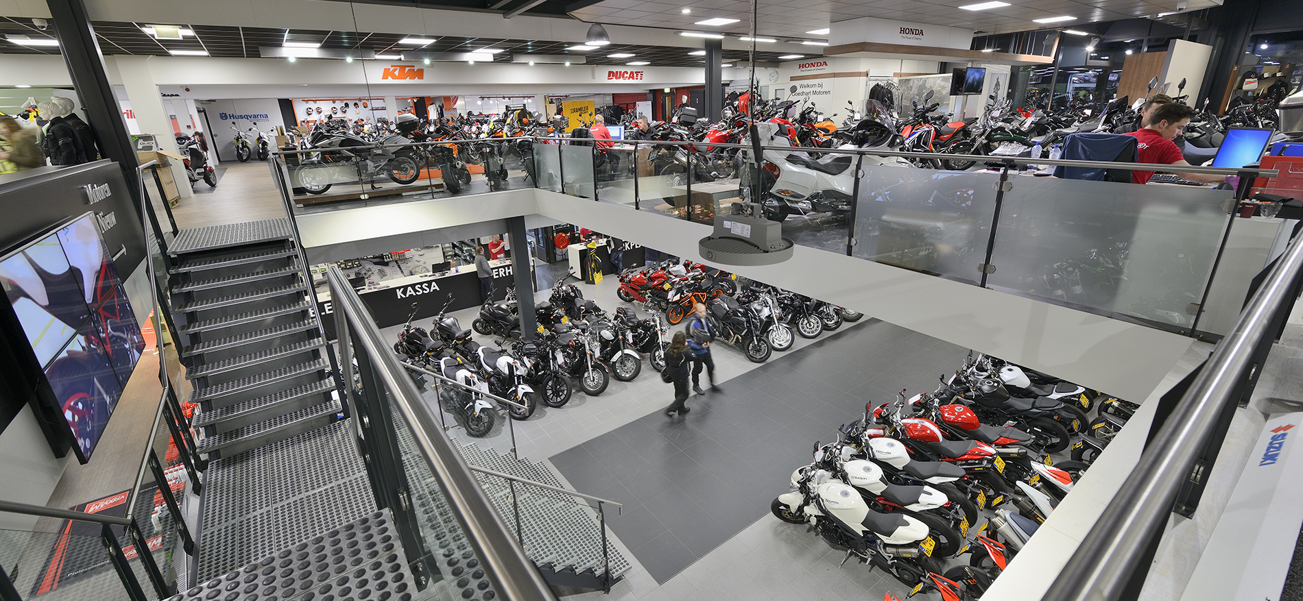 Goedhart Motoren Bodegraven Wsb Shopfitting Succesful Dutch Retail Design
