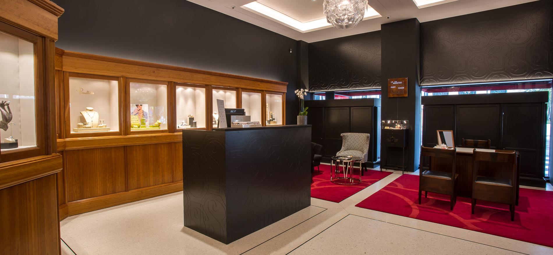 https://www.wsbinterieurbouw.nl/wp-content/uploads/2017/11/ontwerp-Interieur-Den-Haag-winkelinrichting-juwelier-QV1C5906.jpg