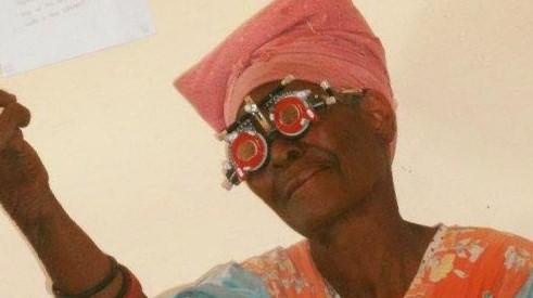 Sponsoring: Kieft Optiek helpt mensen beter zien in Namibie
