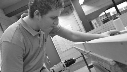 Voor al uw klussen in en om huis in regio Scherpenzeel: Timmer | Afbouw | Montage van interieur en exterieur